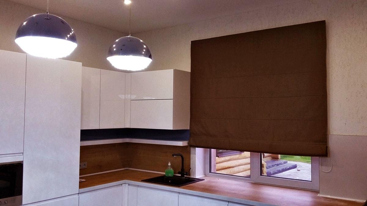 римские шторы из плотной ткани фото
