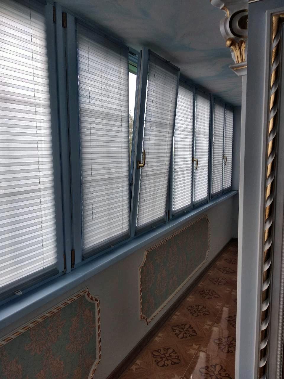 фото шторы плиссе на лоджии